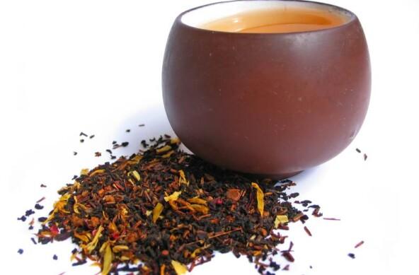 Horký voňavý čaj